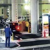 阪急尼崎駅前に建つ商業施設「アマゴッタ」の駐車場